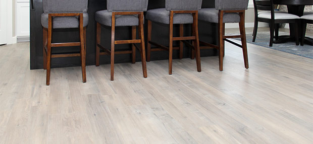 LAMINATE OR HARDWOOD FLOORING?