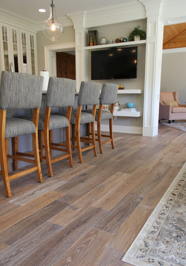 hardwood, hardwood installation, hardwood green bay, hardwood neenah, hardwood dining room, hardwood installers