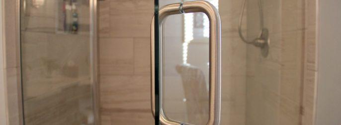 Glass shower door, glass shower doors, shower door installation, glass shower door installation, green bay, neenah, fox valley, shower door specialists, tile shower, tiled shower